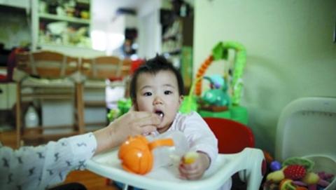 新民环球丨年轻人不想生娃 韩国这招管用吗?