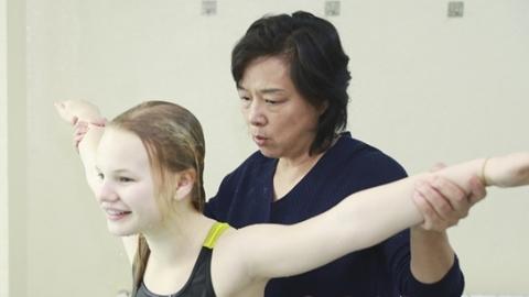 """""""是的,我们想让民间跳水火起来"""" 史美琴助力比利时11岁女孩编织奥运梦"""
