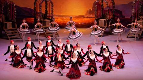 """《珠宝》闪耀, """"骑士""""炫技,芭蕾圆满了这个长假"""