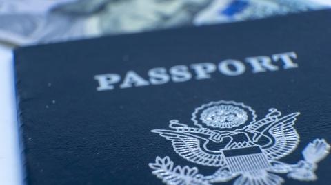 非法帮助外国人获取出入境证件终获罪