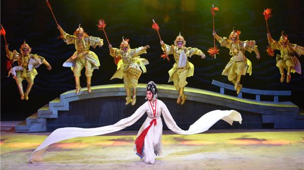 刷爆B站的《白蛇传·情》来上海了!广东粤剧院院长曾小敏领衔一口气演三场
