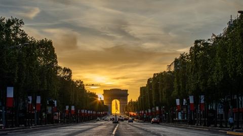 """垃圾围城的无奈:巴黎更像是一座""""被遗弃""""的城市......"""