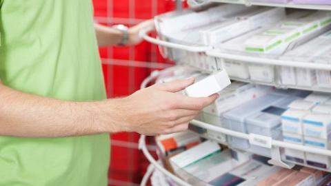 """新民快评 多些""""拍药瓶买药""""式为老服务"""
