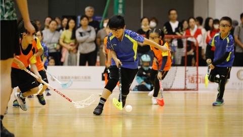 """""""三枪杯""""上海市青少年旱地冰球锦标赛开赛"""