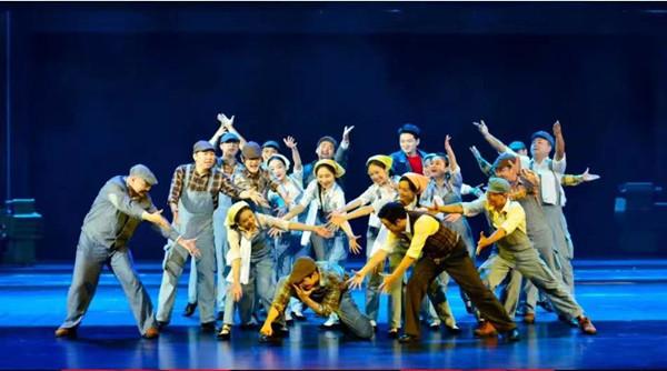 百城巡演今晚开启 王凯常思思唱响上海与柳州的青春之歌