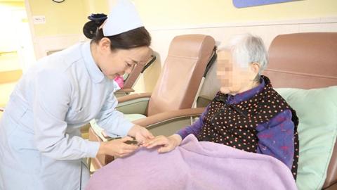 上海最强养老护理员出炉:除了爱心和护理技能,更要懂沟通技巧