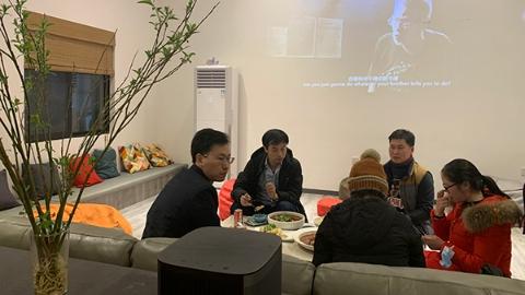 """""""张江男""""""""张江女""""上海过小年 张江镇乡村人才公寓为留沪白领提供一揽子服务"""