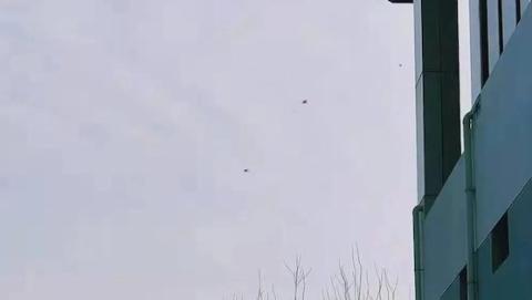 """""""无人机逼停地铁""""视频引网友热议 站长提醒:切勿在轨交站附近做这些事"""