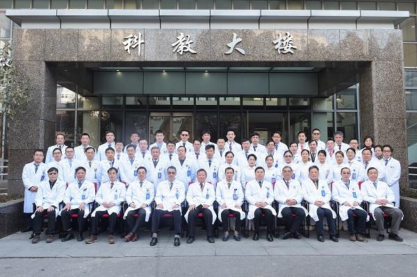 """上海多个医务工作者和组织获评先进:培养""""带不走的医疗队"""""""
