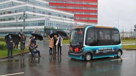 西班牙无人驾驶公交上路