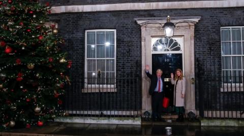 """首相想用""""捐款""""翻修官邸,英国人不乐意了"""