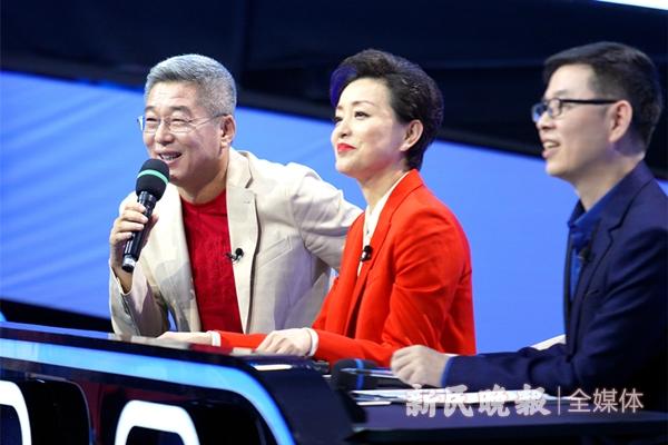 《主播有新人》导师刘建宏在点评参赛选手-郭新洋_副本_副本.jpg