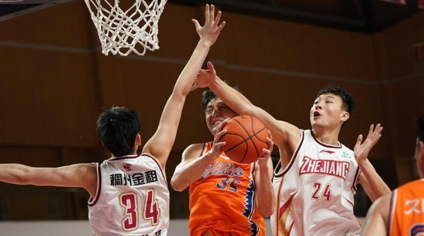 上海男篮与季后赛的距离,恐怕不只是几场球这么简单