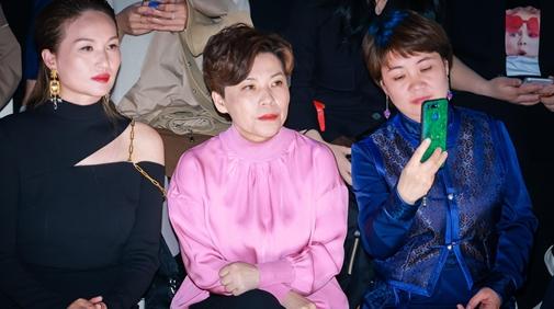 体坛女人花摇曳在秀场内外 听邓亚萍讲述属于女性的力量