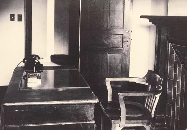 当年聂耳办公室的老照片.jpg