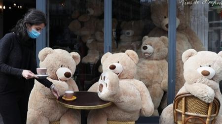 巴黎将对餐馆酒吧露天座征收使用费