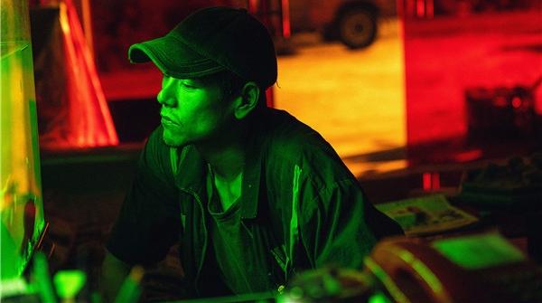 """宁浩监制《热带往事》定档6·18,彭于晏张艾嘉""""神仙""""组合开启暑期档"""