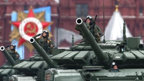 俄罗斯红场阅兵:最新武器装备悉数亮相