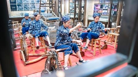 在劳动中立德树人 上海制订中小学生劳动教育清单