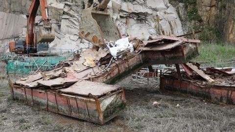 """优化水上交通环境 27艘""""三无""""船舶在洋山港集中拆解"""