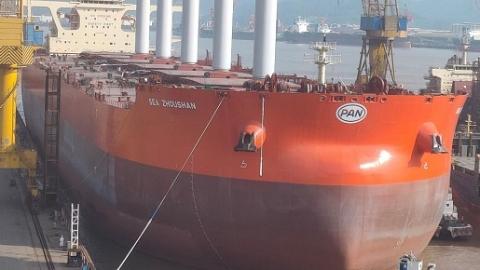 淡水河谷租用船队接收世界上首艘配备旋翼帆超大型矿砂船