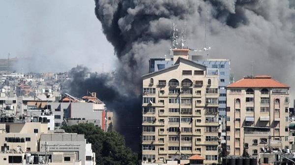 以军炸毁多家国际媒体所在大楼