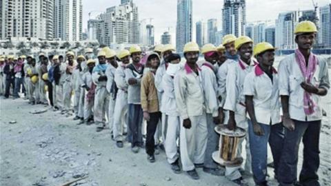 新民环球 青壮劳动力出国务工,受过精英教育者外流,海外移民折射印度发展困境