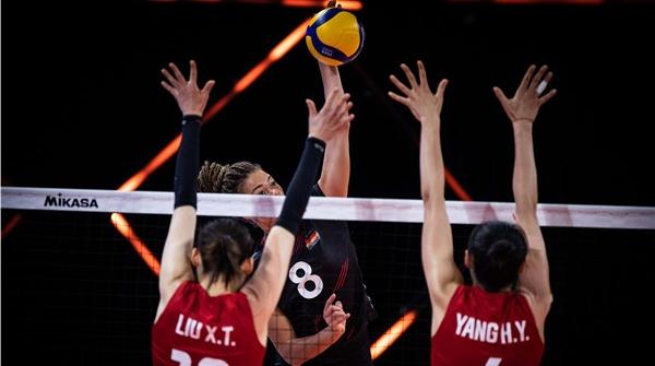 一场堪称神奇的逆转!是什么让对手对中国女排跷起大拇指?