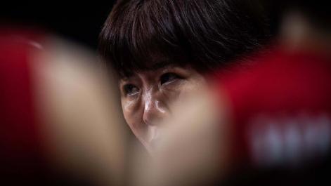 中国女排世联赛成绩不如人意 ,肿了眼睛的郎平为何无话可说?