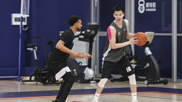 NBA有戏?郭昊文被选中参加官方试训营