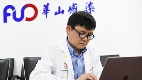 张文宏昨夜发微博:聊聊乐动体育官网病毒变异株临床数据汇总
