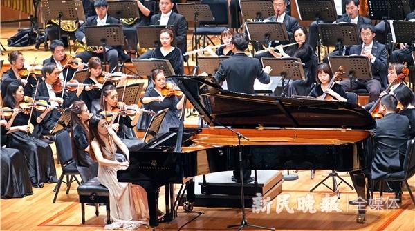 90后音乐家致敬经典,钢琴协奏曲《不朽的长征》昨晚首演