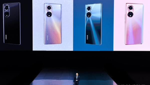 意欲重构高端手机市场格局 荣耀50系列发布
