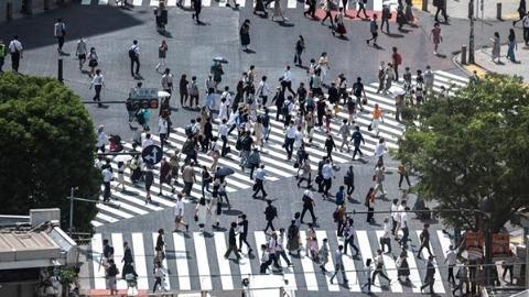 日本抗疫为何波折不断?恐怕与这一对矛盾有关