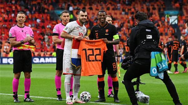 金鸿一瞥丨说不出再见,北马其顿足球的倔强老兵潘德夫