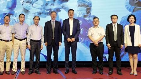 全球医疗创新成果加速引进 白内障手术又添利器