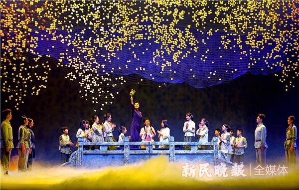 沪剧《风雨江城》演出剧照-郭新洋摄 (16)_副本_副本.jpg