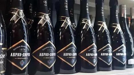 """俄法爆发香槟冠名争夺战,奥地利国宝蛋糕也曾经历""""冠名之争"""""""
