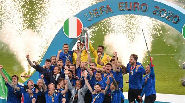 金鸿一瞥丨意大利人的伟大力量在今晨爆发