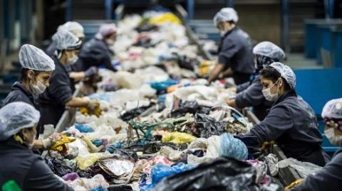 """欧盟最严""""限塑令""""上路,这些塑料用品被淘汰"""