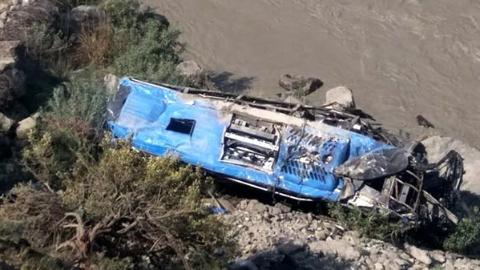班车爆炸,9名中国公民在巴遇难 初步调查:机械故障致气体泄漏引发爆炸