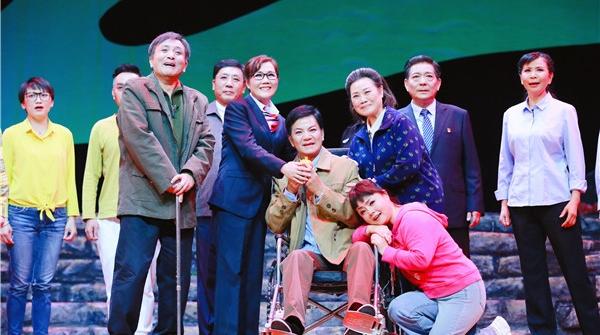 """三度改编""""中国好人""""故事,这家民营院团让爱的呼唤传遍上海的大小街镇"""