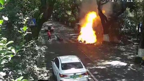 新民快评   更加重视电动车火灾隐患