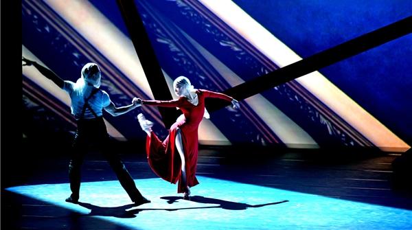"""看!一幅幅名画在谭元元和她的朋友们的舞蹈中""""活""""了起来"""