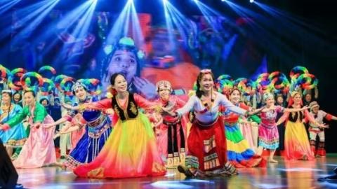长宁仙霞社区第十五届睦邻文化节开幕