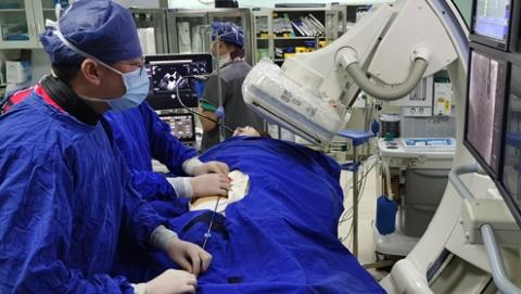 头痛居然是心脏惹祸!岳阳医院多学科团队解除困扰患者三十年顽疾