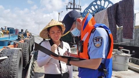 崇明警方:劝动326位渔民上岸,排除92处风险隐患