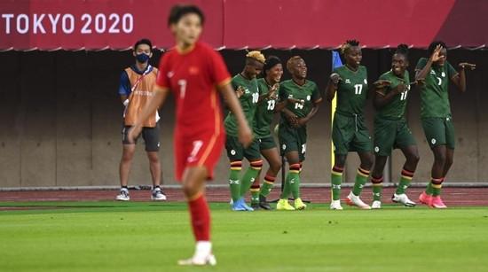王霜进了四个球,可中国女足还是没赢……
