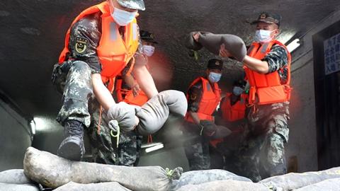 武警上海总队全力做好抢险救援