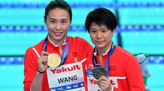 跳水梦之队出手不凡!施廷懋王涵问鼎东京奥运女子双人3米板